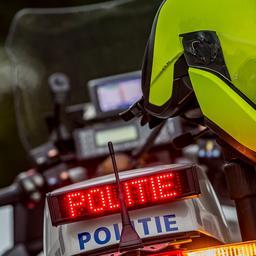 dronken-bestuurster-in-tilburg-belt-na-aanhouding-dronken-vriendin-voor-lift