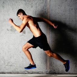 spaanse-triatleet-staat-medaille-af-aan-tegenstander-die-verkeerd-loopt