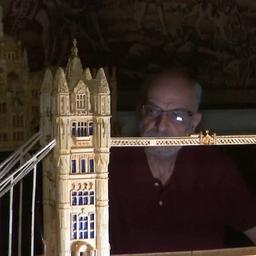 video-|-egyptenaar-maakt-wereldberoemde-bouwwerken-na-met-lucifers