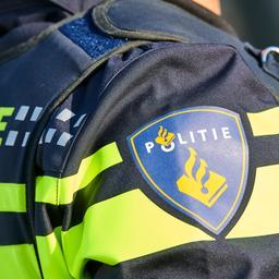 politie-treft-tienjarige-jongen-aan-achter-stuur-van-auto-in-rotterdam