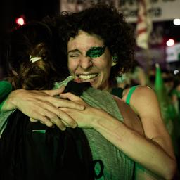 goed-nieuws:-argentinie-legaliseert-abortus-|-minder-inbraken-tijdens-kerst