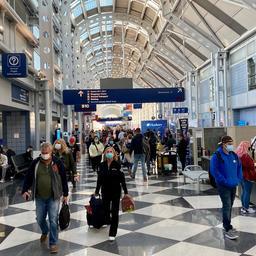 man-woonde-maandenlang-op-vliegveld-chicago-vanwege-'angst-voor-corona'