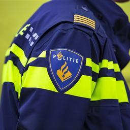 boze-man-steelt-deurbel-van-politiebureau-in-tilburg
