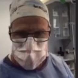 amerikaanse-chirurg-probeert-eigen-rechtszaak-bij-te-wonen-tijdens-operatie