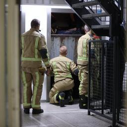 agenten-zitten-vast-in-lift-met-agressieve-winkeldief-in-den-haag