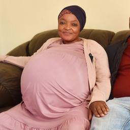 zuid-afrikaanse-tienling-blijkt-verzinsel,-'moeder'-opgenomen-in-kliniek