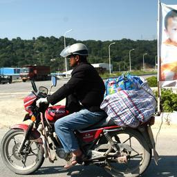 chinese-vader-na-jarenlange-zoektocht-op-motor-herenigd-met-ontvoerde-zoon