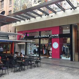 miljoenenboete-voor-bedrijf-dat-met-'coronawerende'-kleding-adverteerde